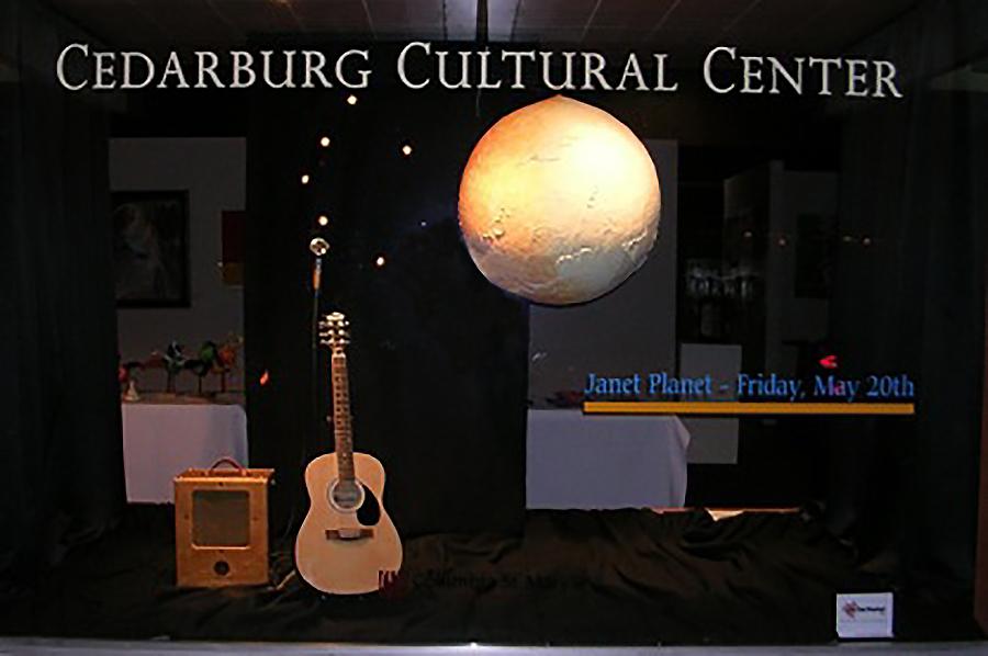 cedarburg cultural center window display